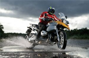 Bremsenwartung am Motorrad