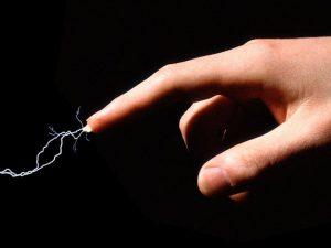 Elektrizität und Erste Hilfe