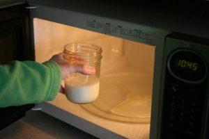 Mikrowelle und Milch