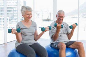 Hockergymnastik für Senioren, Übungen mit Partnern
