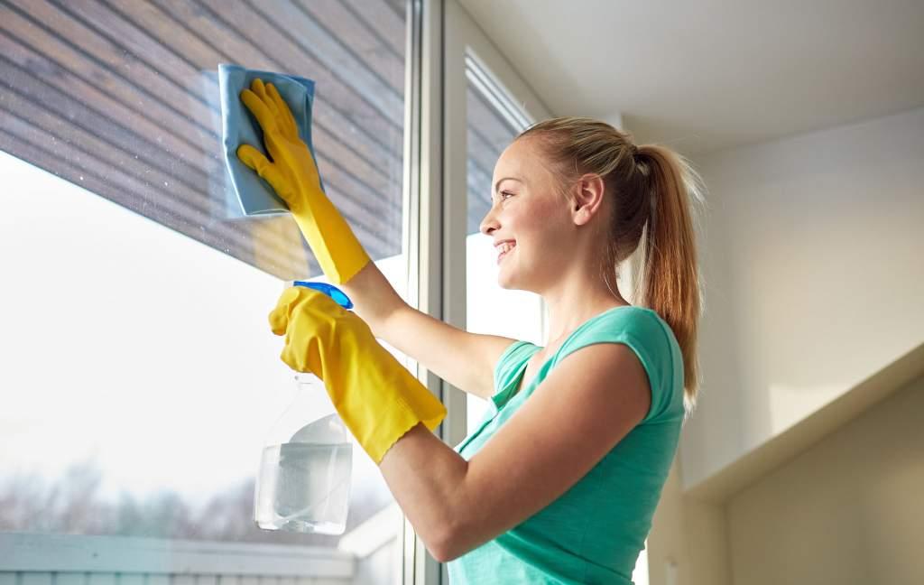 Wie Bekommt Man Fenster Streifenfrei Sauber?