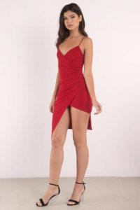 farbwirkung-roter-Kleider